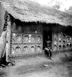 House with inset plates South Ikwerri