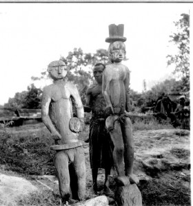 Free standing figures  in Ohafia village